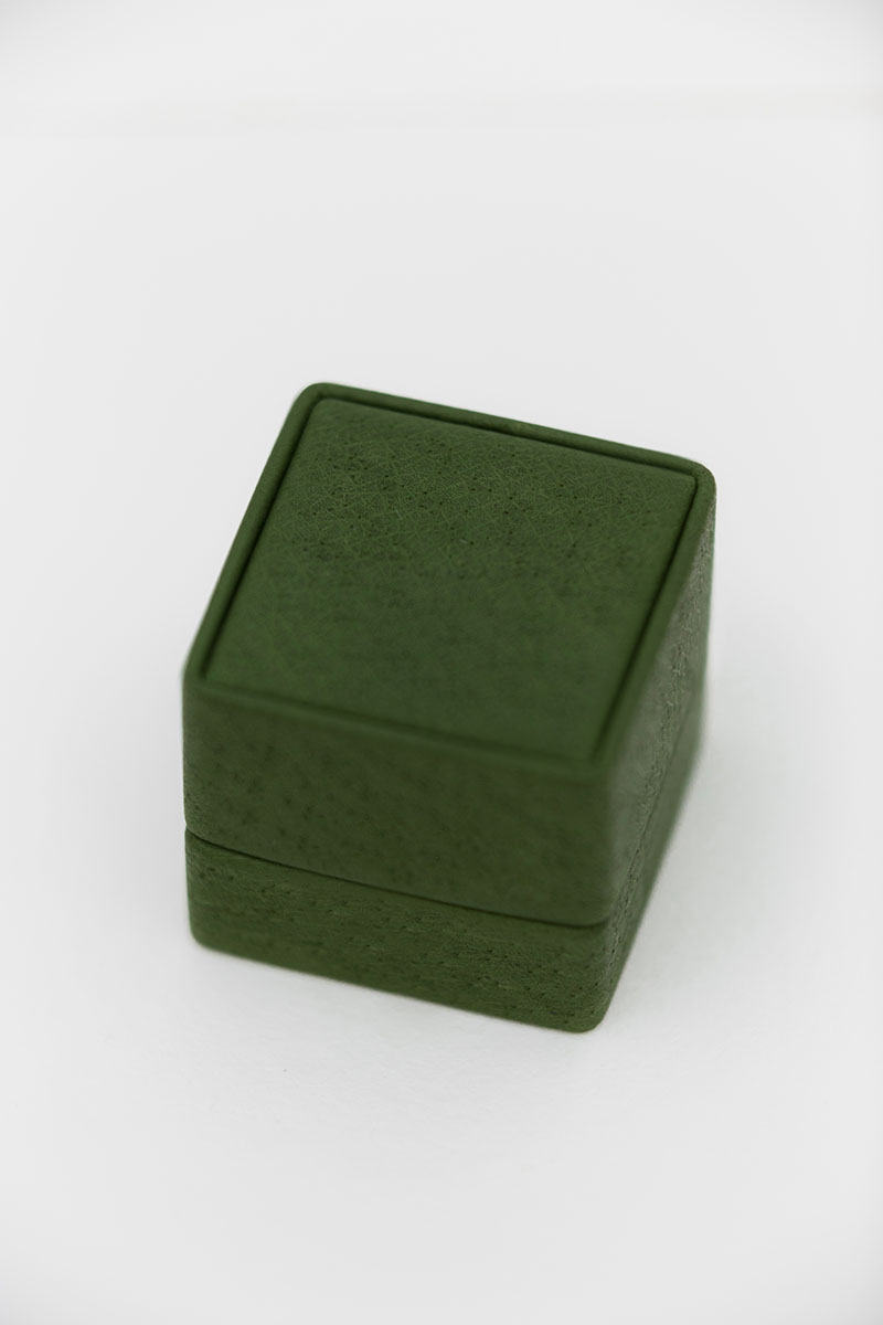 Bark-and-Berry-Grand-Charlotte-classic-vintage-wedding-embossed-individual-monogram-leather-velvet-ring-box-001