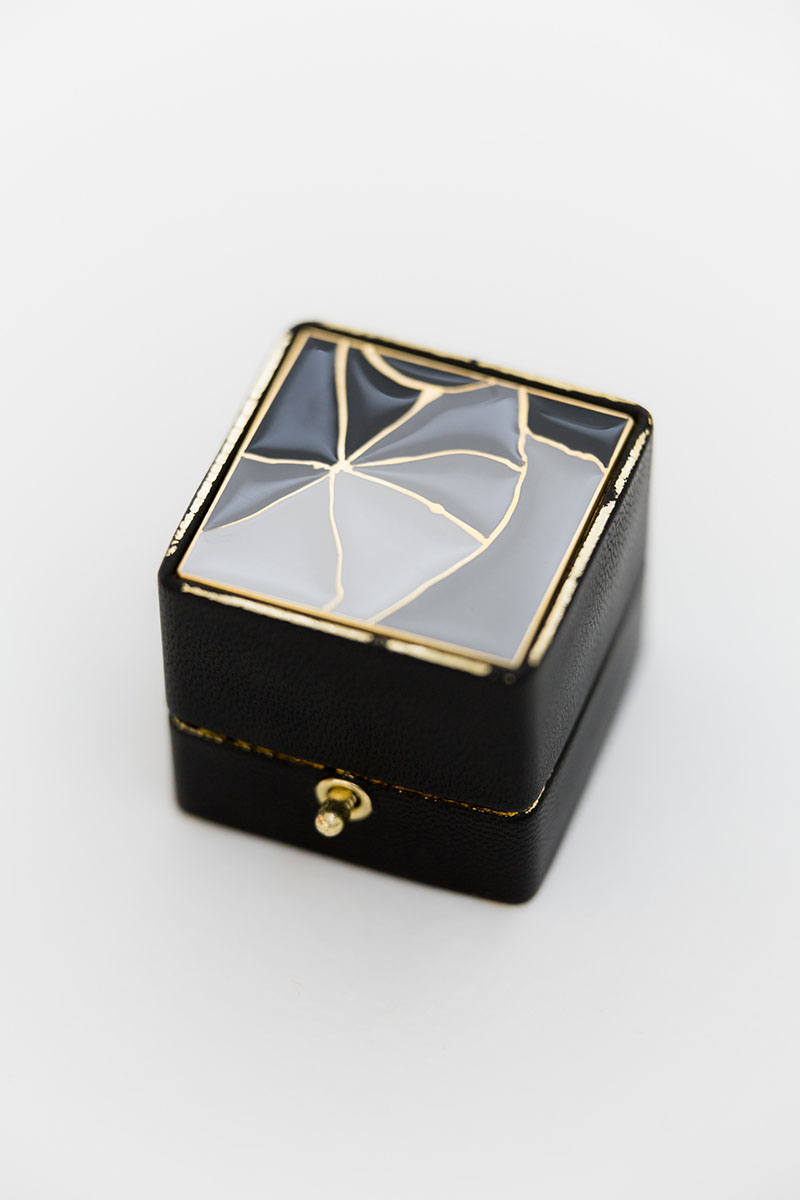 Bark-and-Berry-Grand-Edge-Francis-classic-lock-vintage-wedding-embossed-individual-monogram-leather-velvet-ring-box-enamel-kintsugi-001
