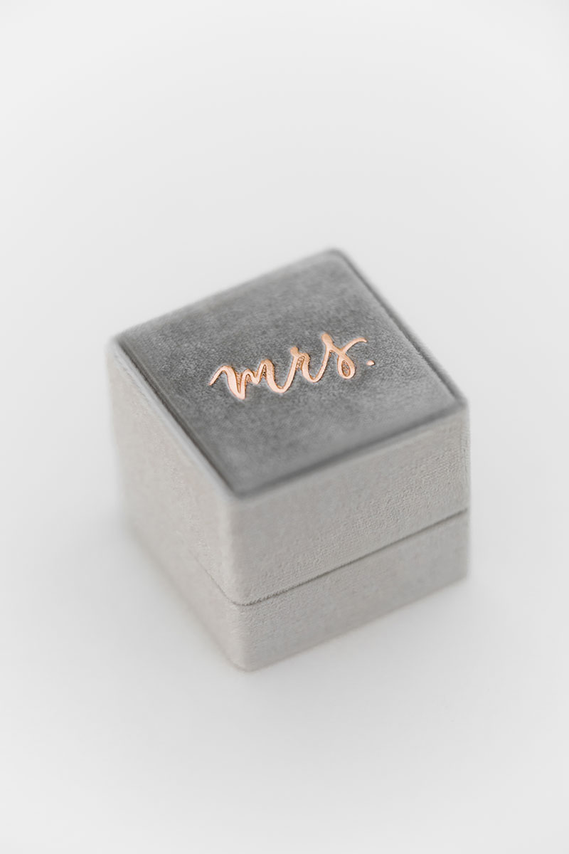 Bark-and-Berry-Grand-Fossil-classic-vintage-wedding-embossed-monogram-velvet-ring-box-double-single-slot-001