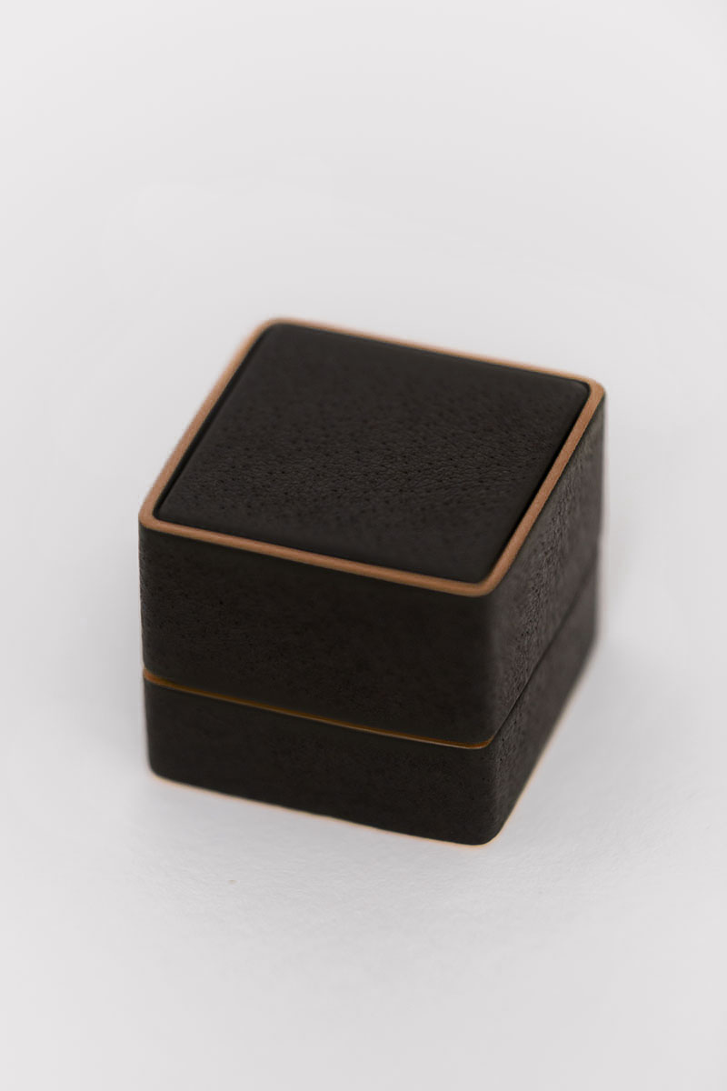 Bark-and-Berry-Grand-Ludovic-vintage-wedding-embossed-edge-monogram-leather-velvet-bronze-foil-ring-box-001