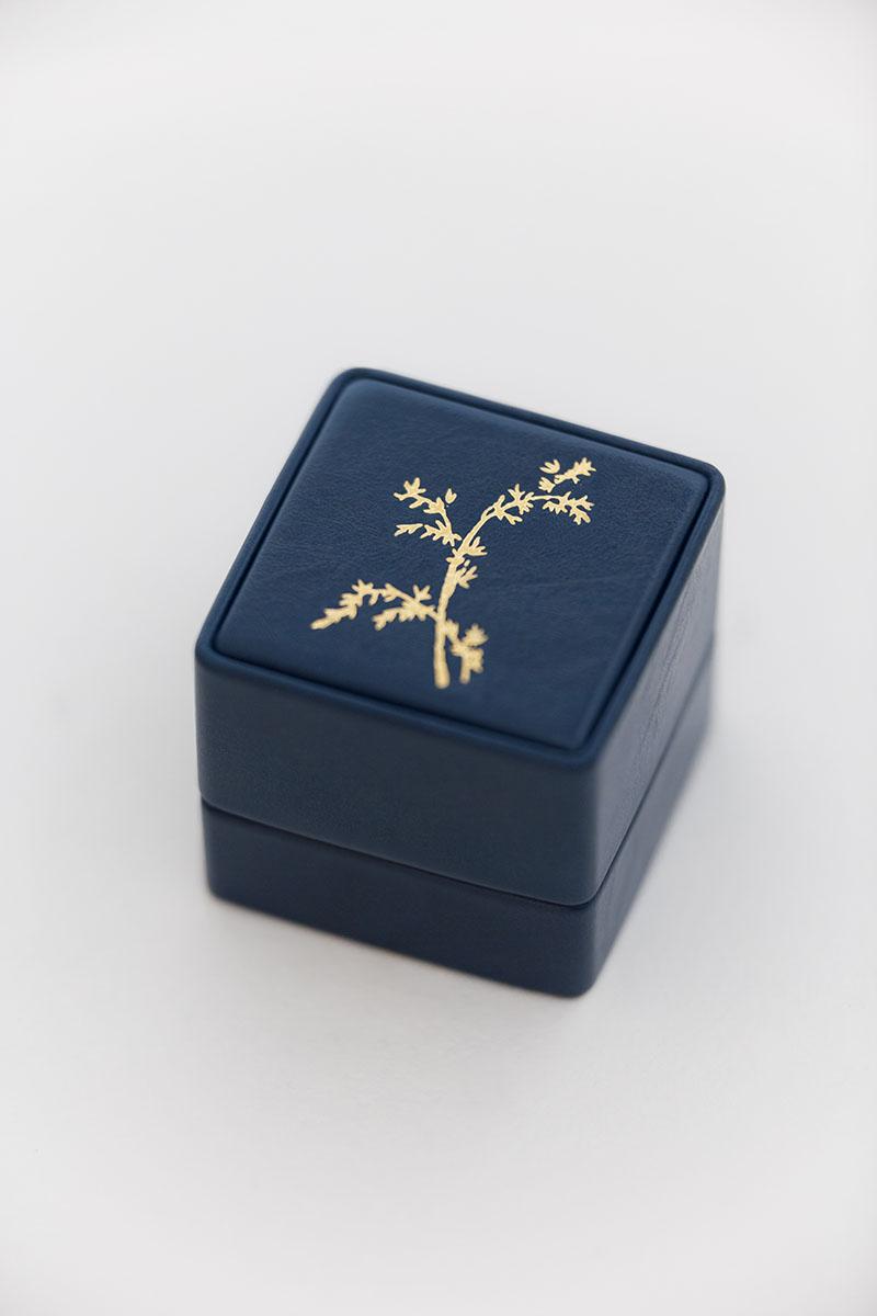 Bark-and-Berry-Grand-Nicholas-classic-vintage-wedding-embossed-individual-monogram-leather-velvet-ring-box-001