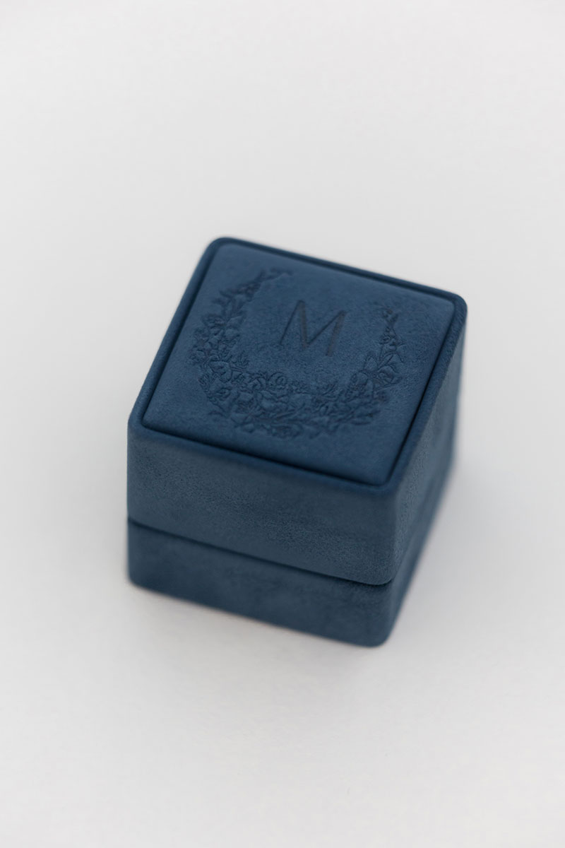 Bark-and-Berry-Grand-Nicholas-classic-vintage-wedding-embossed-individual-monogram-suede-velvet-ring-box-002