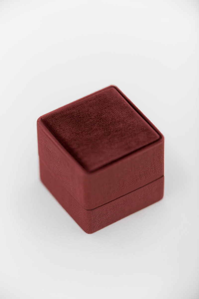 Bark-and-Berry-Grand-Wine-classic-vintage-wedding-embossed-monogram-velvet-ring-box-double-single-slot-001