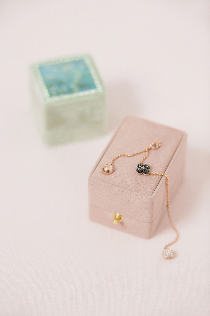 Bark-and-Berry-Oblong-Diana-Classic-Ambrosia-vintage-wedding-embossed-double-monogram-velvet-suede-earrings-necklace-pendant-bracelet-ring-box-001