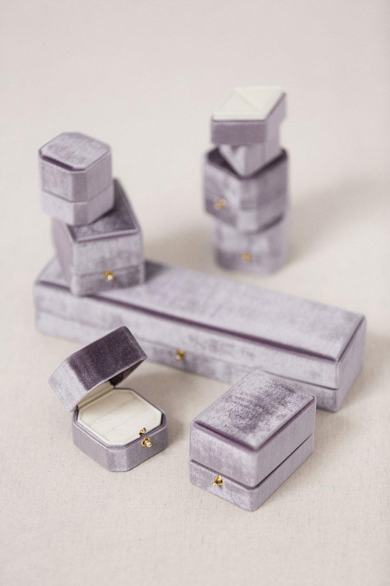 Bark-and-Berry-Amethyst-Set-vintage-wedding-embossed-double-monogram-velvet-earrings-necklace-pendant-bracelet-ring-box-001