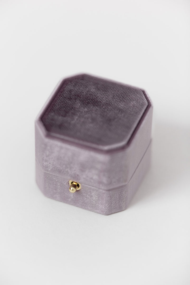 Bark-and-Berry-Grand-Amethyst-lock-octagon-vintage-wedding-engraved-embossed-individual-monogram-velvet-ring-box-002