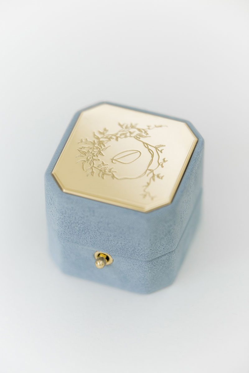 Bark-and-Berry-Grand-Grace-octagon-lock-vintage-wedding-embossed-engraved-individual-monogram-velvet-suede-ring-box-002