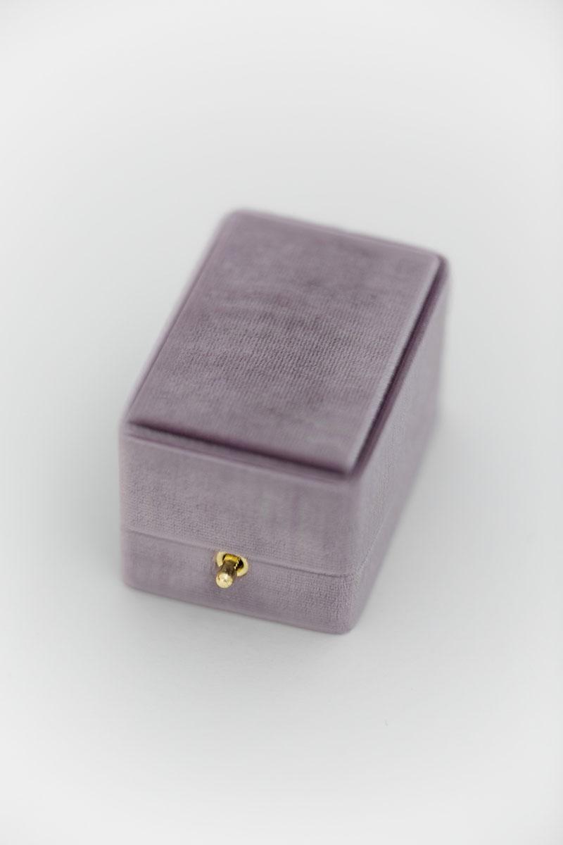 Bark-and-Berry-Oblong-Amethyst-vintage-wedding-embossed-double-monogram-velvet-earrings-necklace-pendant-bracelet-ring-box-reversible-inner-002
