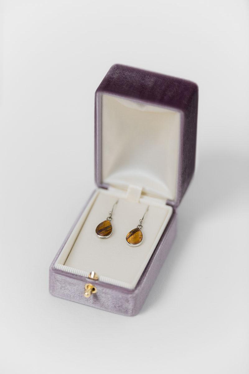 Bark-and-Berry-Oblong-Amethyst-vintage-wedding-embossed-double-monogram-velvet-earrings-necklace-pendant-bracelet-ring-box-reversible-inner-004-2