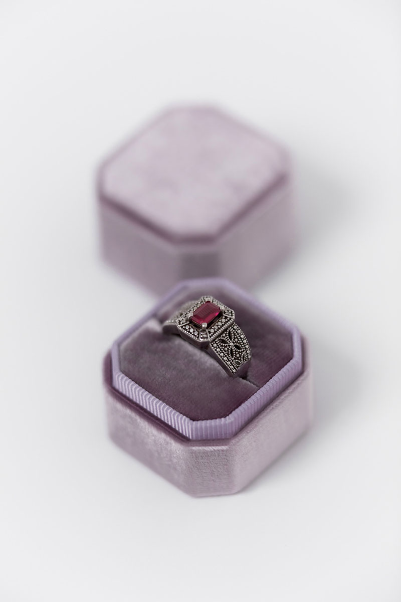 Bark-and-Berry-Petite-Amethyst-octagon-vintage-wedding-embossed-individual-monogram-velvet-ring-box-001
