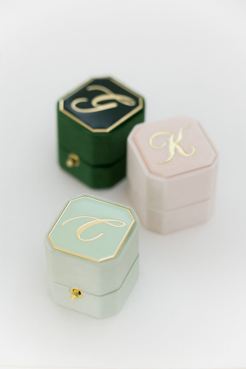 Bark-and-Berry-Petite-Ambrosia-Blush-Eden-octagon-lock-vintage-wedding-embossed-engraved-enameled-monogram-octagon-velvet-ring-box-001