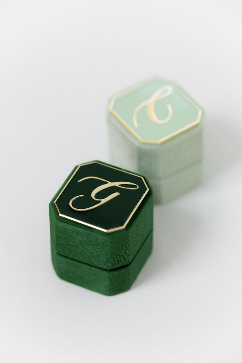 Bark-and-Berry-Petite-Ambrosia-Eden-octagon-vintage-wedding-embossed-engraved-enameled-monogram-octagon-velvet-ring-box-001