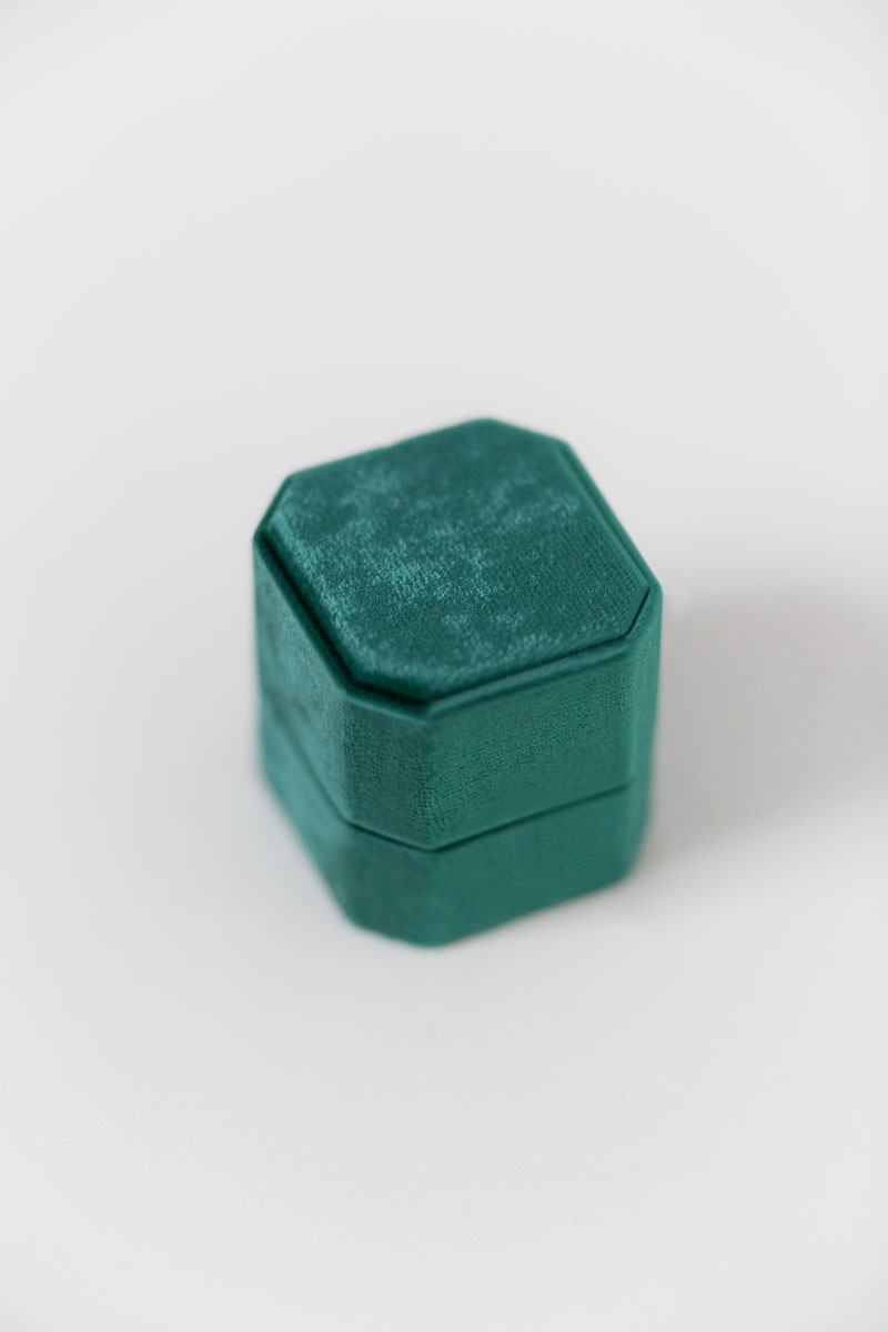Bark-and-Berry-Petite-Emerald-octagon-vintage-wedding-embossed-engraved-enameled-individual-monogram-velvet-ring-box-001