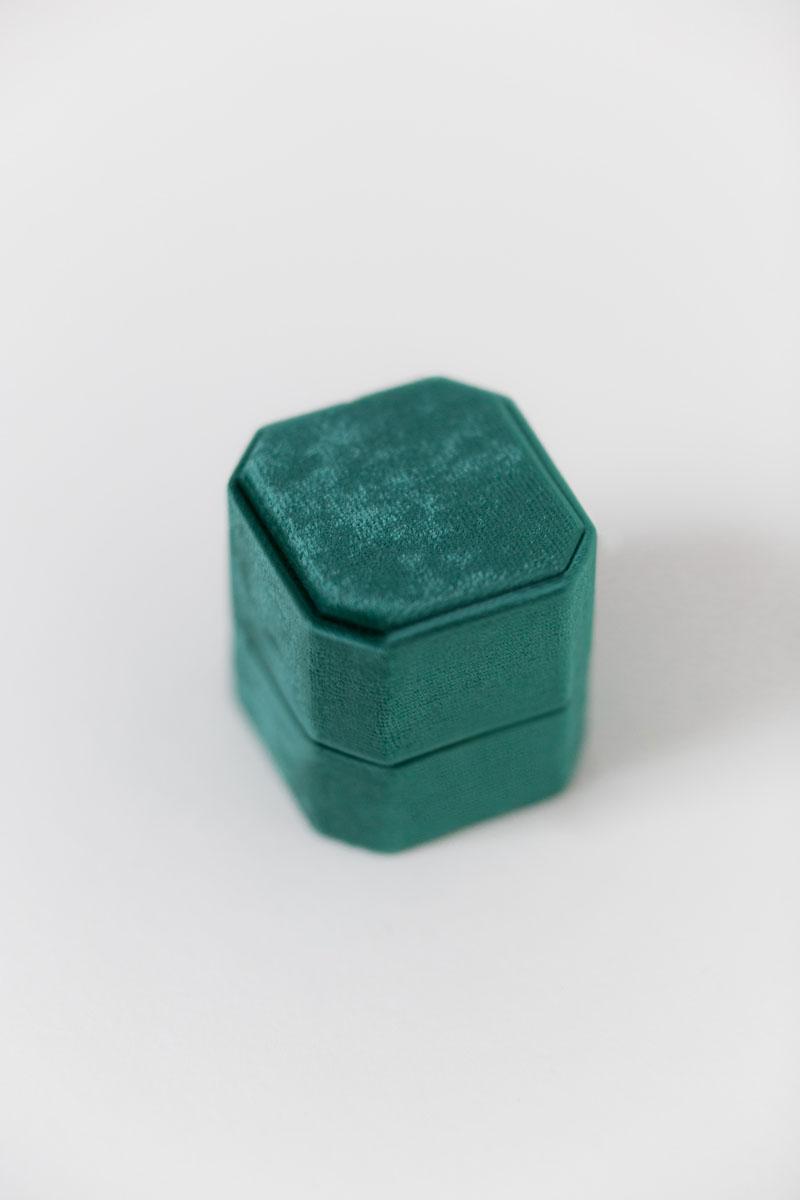 Bark-and-Berry-Petite-Emerald-octagon-vintage-wedding-embossed-engraved-enameled-individual-monogram-velvet-ring-box-001