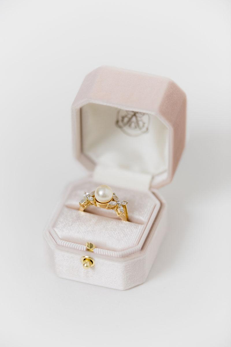 Bark-and-Berry-Grand-Blush-lock-octagon-vintage-wedding-engraved-embossed-individual-monogram-velvet-ring-box-001