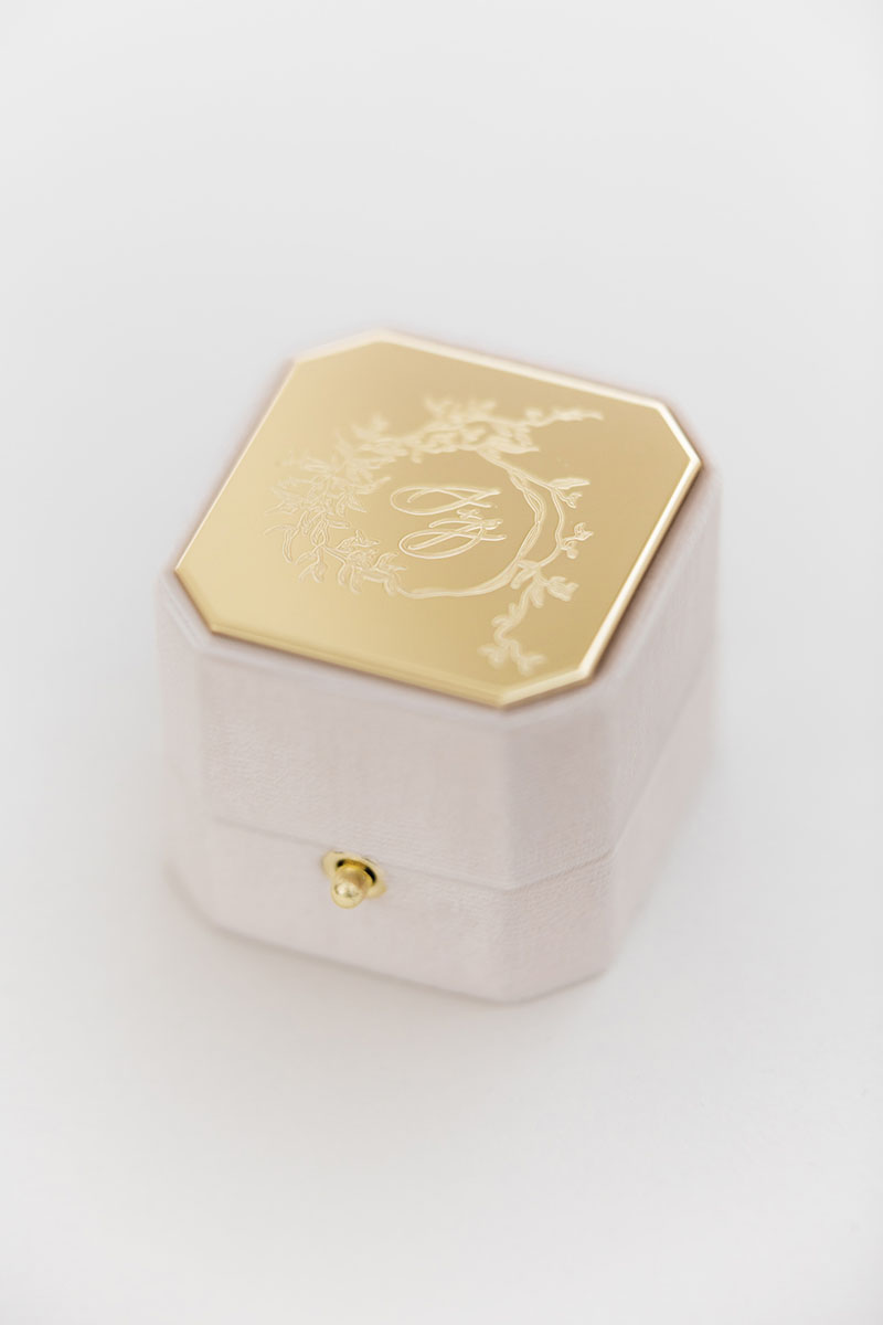 Bark-and-Berry-Grand-Blush-lock-octagon-vintage-wedding-engraved-embossed-individual-monogram-velvet-ring-box-002