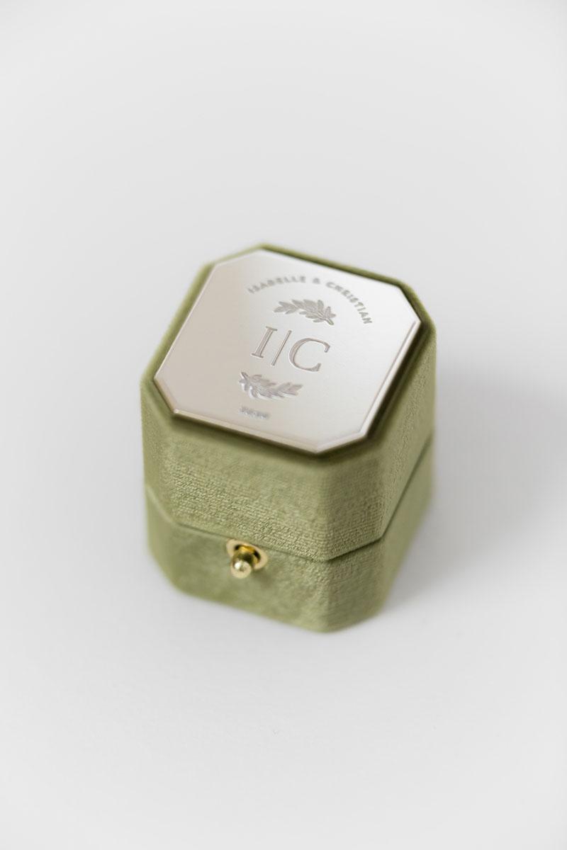 Bark-and-Berry-Petite-Moss-lock-octagon-vintage-wedding-engraved-embossed-enameled-individual-monogram-velvet-ring-box-001