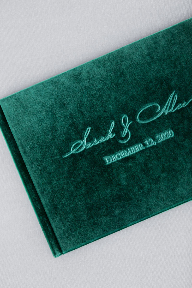 Bark-and-Berry-Emerald-vintage-velvet-wedding-embossed-monogram-guest-book-002