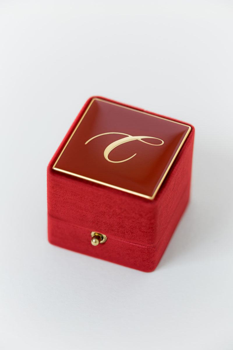 Bark-and-Berry-Grand-Garnet-lock-classic-vintage-wedding-engraved-embossed-enameled-individual-monogram-velvet-ring-box-001