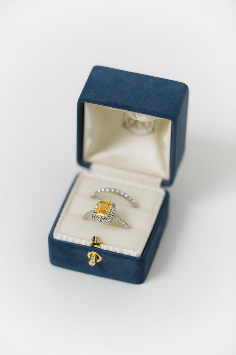 Bark-and-Berry-Grand-Nicholas-lock-classic-vintage-wedding-engraved-embossed-enameled-individual-monogram-suede-velvet-ring-box-001