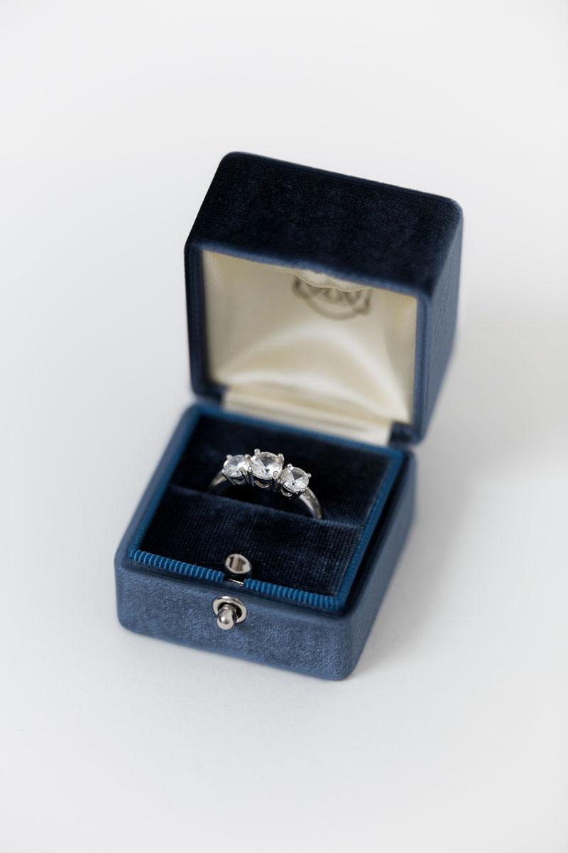 Bark-and-Berry-Grand-Ocean-lock-classic-vintage-wedding-engraved-embossed-enameled-individual-monogram-velvet-ring-box-001