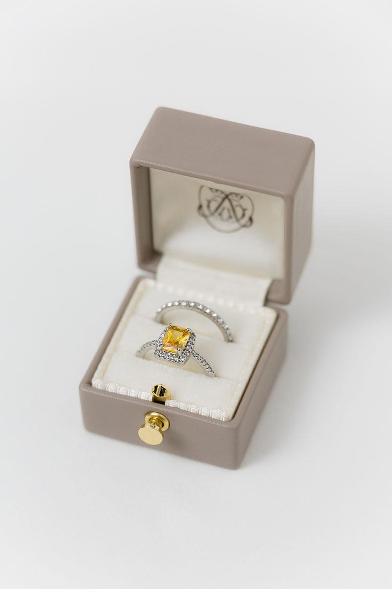 Bark-and-Berry-Grand-Antoinette-classic-lock-vintage-wedding-embossed-engraved-enameled-monogram-velvet-leather-double-single-slot-ring-box-001