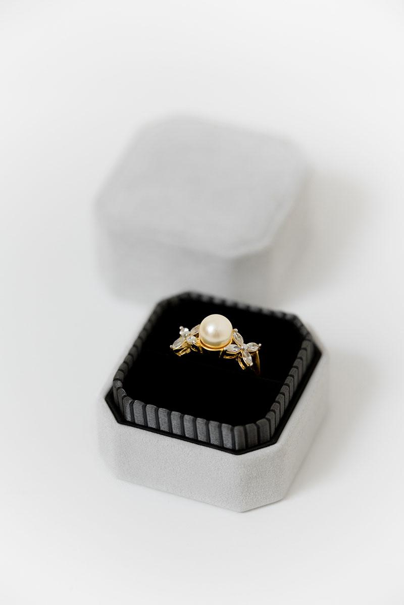 Bark-and-Berry-Grand-Cloud-octagon-vintage-wedding-embossed-engraved-enameled-individual-monogram-velvet-suede-ring-box-002