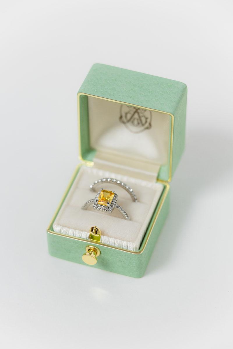 Bark-and-Berry-Grand-Honeydew-classic-lock-vintage-wedding-embossed-engraved-enameled-edge-monogram-velvet-leather-ring-box-001