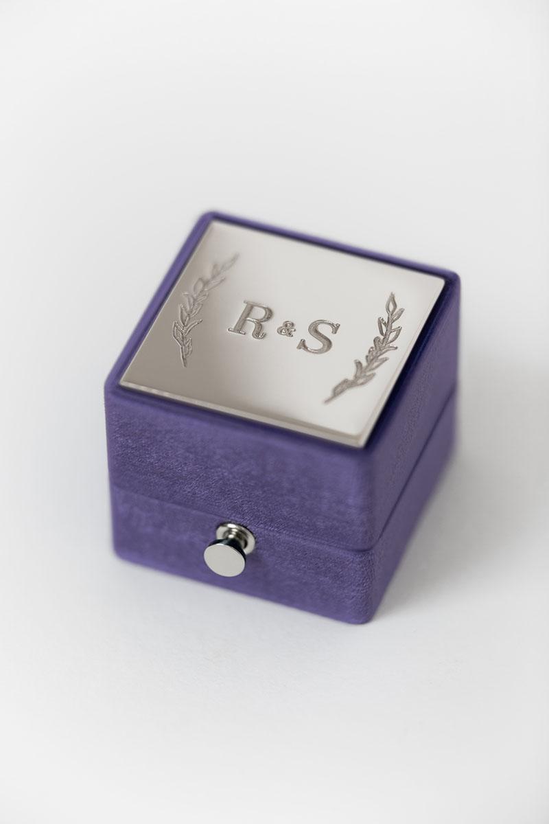Bark-and-Berry-Grand-Iris-lock-classic-vintage-wedding-engraved-embossed-enameled-individual-monogram-velvet-ring-box-002-2