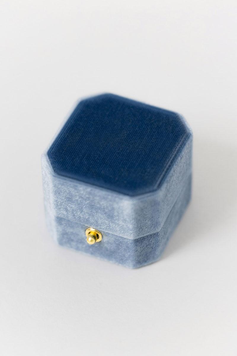 Bark-and-Berry-Grand-Parisian-lock-octagon-vintage-wedding-embossed-engraved-enameled-individual-monogram-velvet-ring-box-001