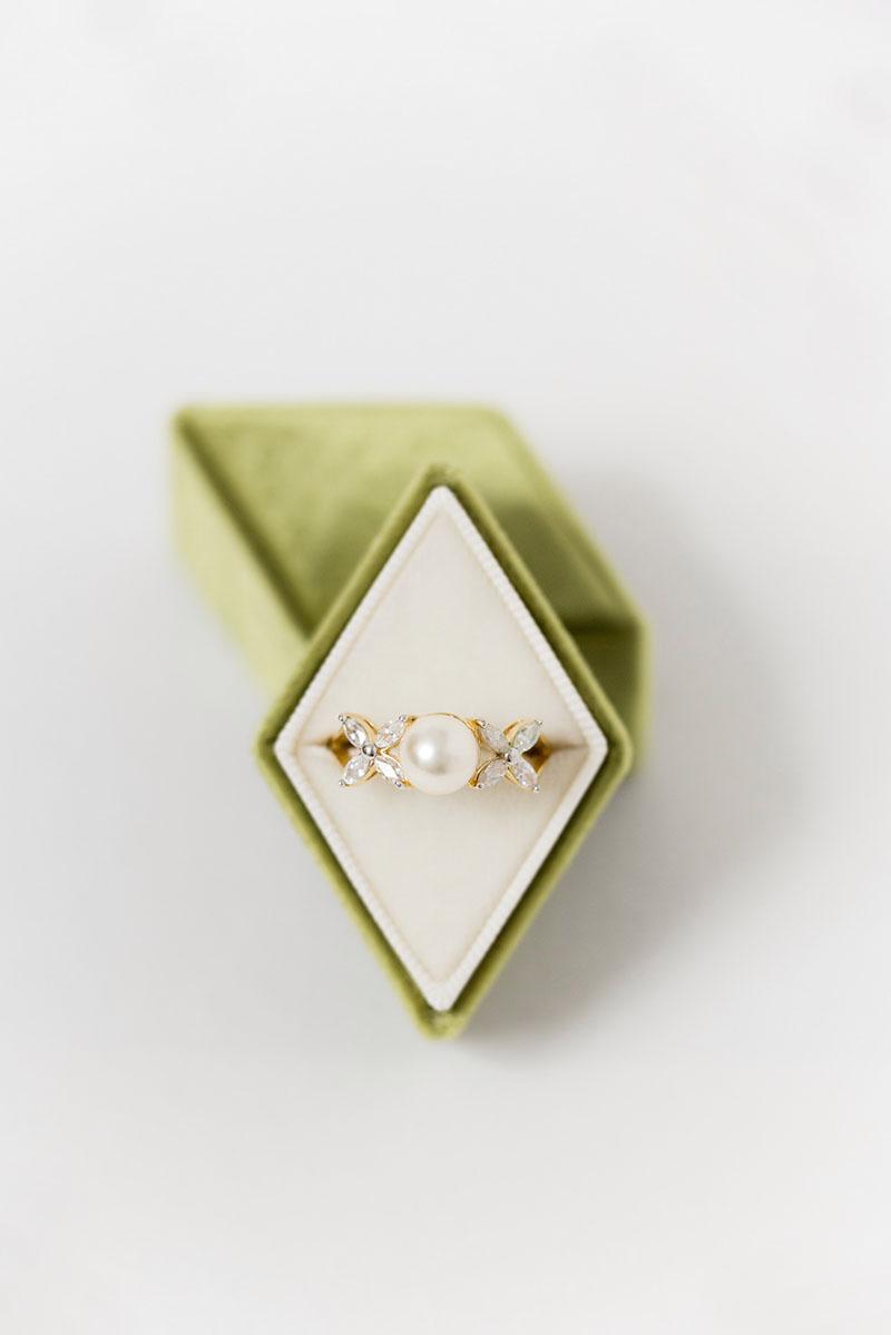Bark-and-Berry-Olive-Petite-vintage-wedding-embossed-engraved-enameled--monogram-diamond-velvet-ring-box-001