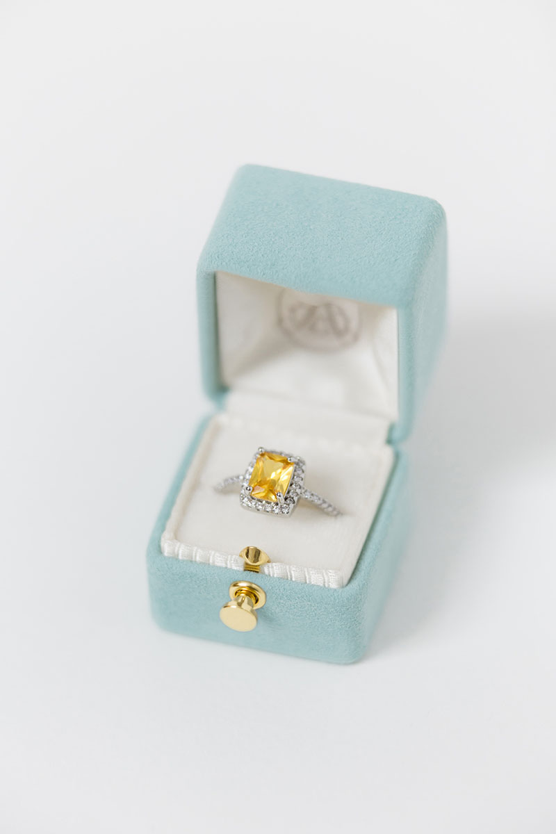 Bark-and-Berry-Petite-Lagune-classic-vintage-lock-wedding-embossed-engraved-enameled-individual-monogram-velvet-suede-ring-box-001-2