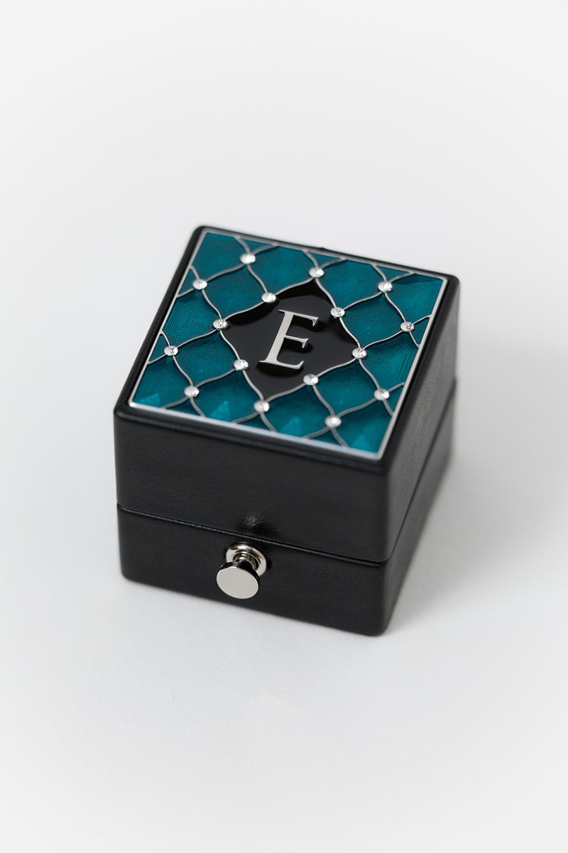 Bark-and-Berry-Grand-Ludovic-XIV-classic-lock-vintage-wedding-embossed-engraved-individual-monogram-velvet-leather-ring-box-enamel-guilloche-swarovski-crystals-silver-001