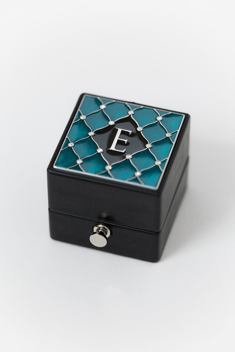 Bark-and-Berry-Grand-Ludovic-XIV-classic-lock-vintage-wedding-embossed-engraved-individual-monogram-velvet-leather-ring-box-enamel-guilloche-swarovski-crystals-silver-002