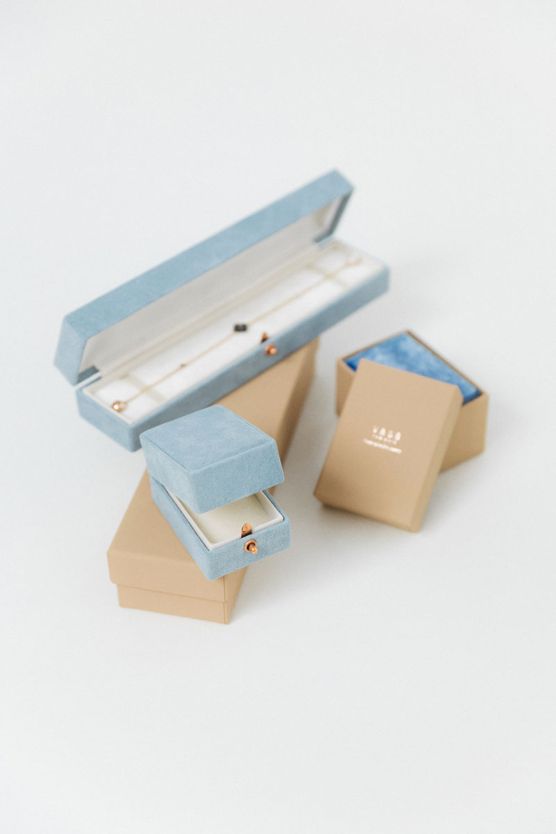 Bark-and-Berry-Oblong-Grace-Parisian-vintage-wedding-embossed-engraved-enameled-monogram-velvet-suede-earrings-necklace-pendant-bracelet-ring-box-004-2