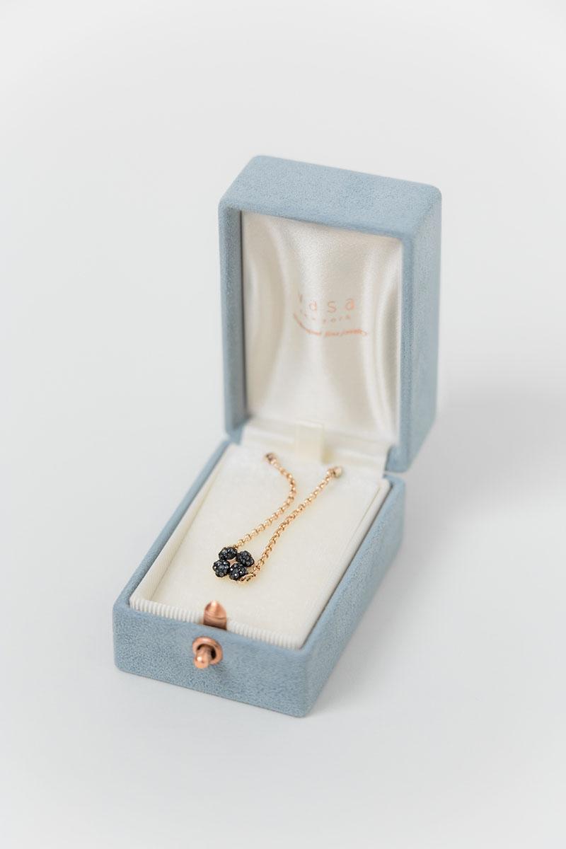 Bark-and-Berry-Oblong-Grace-vintage-wedding-embossed-engraved-enameled-monogram-velvet-suede-earrings-necklace-pendant-bracelet-ring-box-001