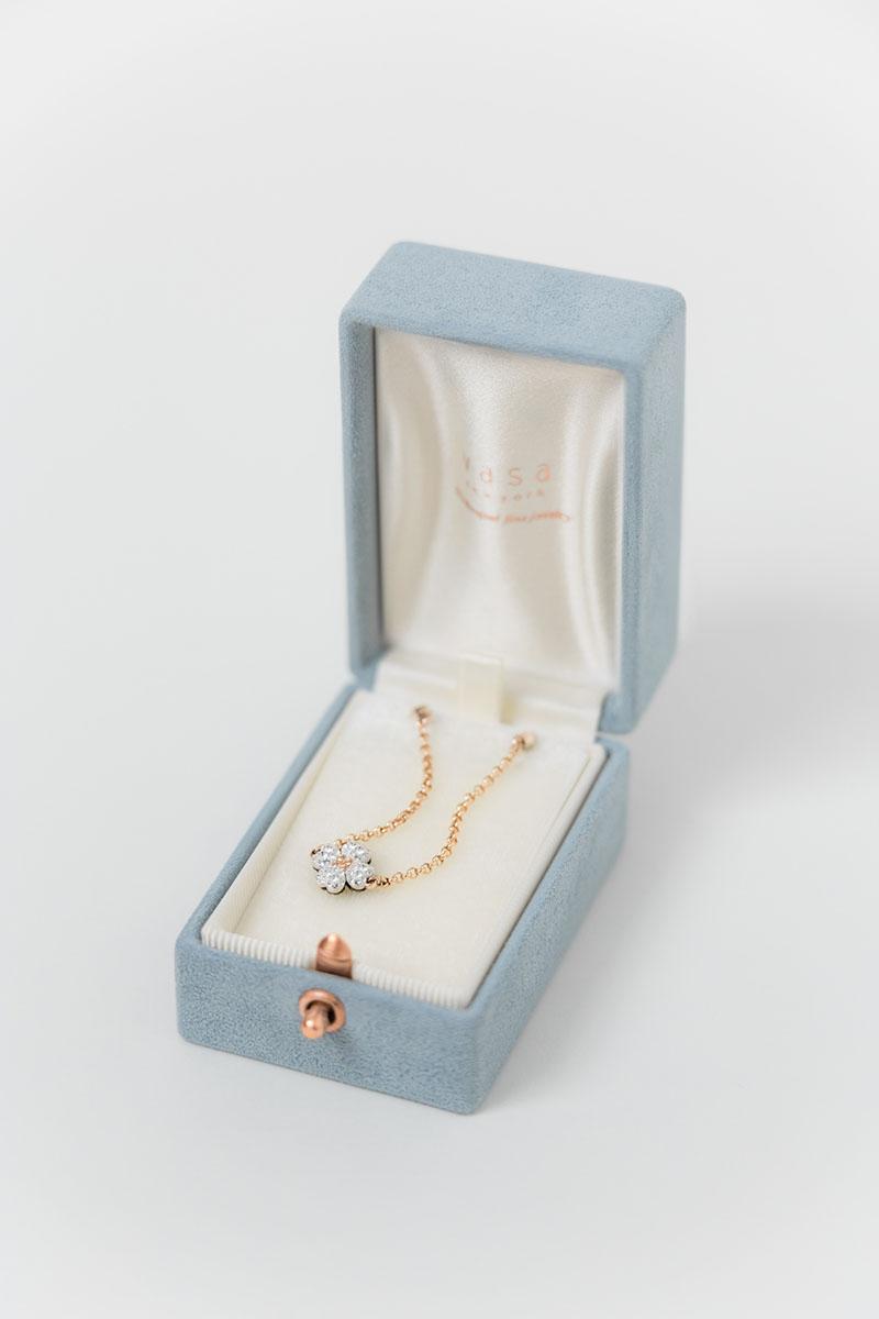 Bark-and-Berry-Oblong-Grace-vintage-wedding-embossed-engraved-enameled-monogram-velvet-suede-earrings-necklace-pendant-bracelet-ring-box-002