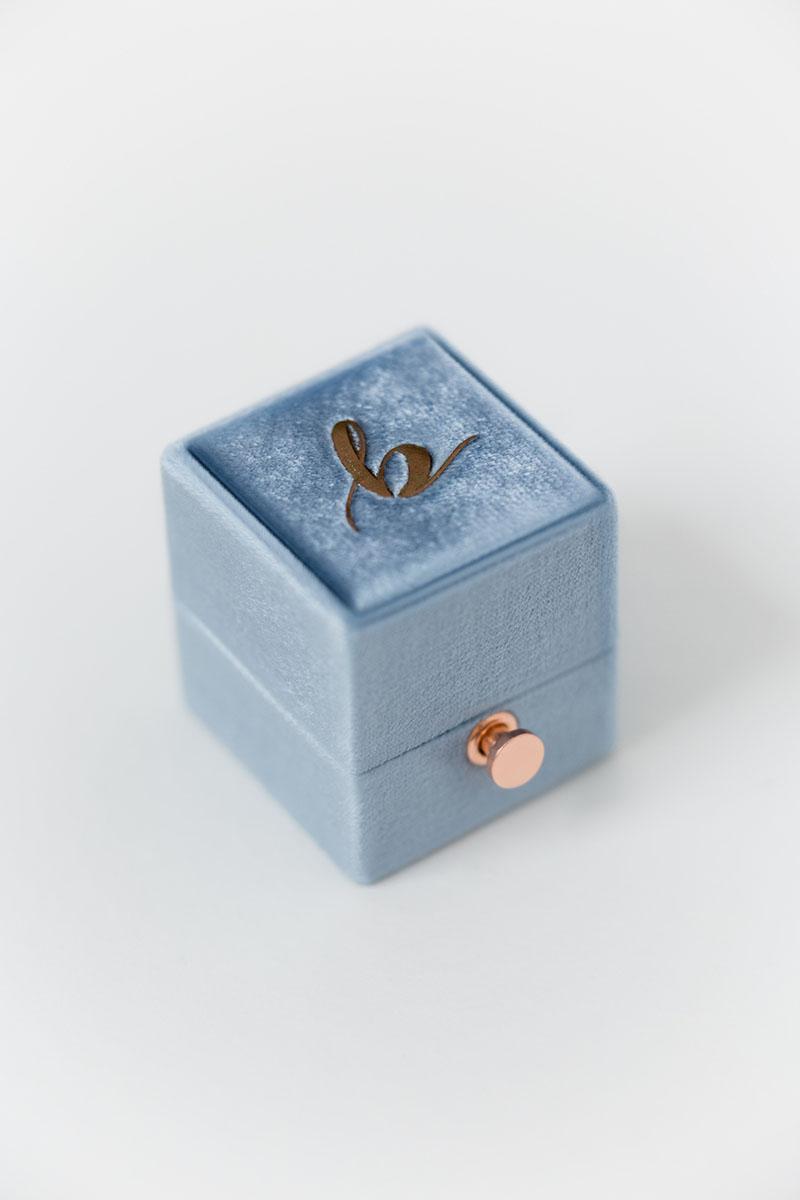 Bark-and-Berry-Petite-Parisian-classic-lock-vintage-wedding-embossed-engraved-enameled-monogram-velvet-ring-box-001