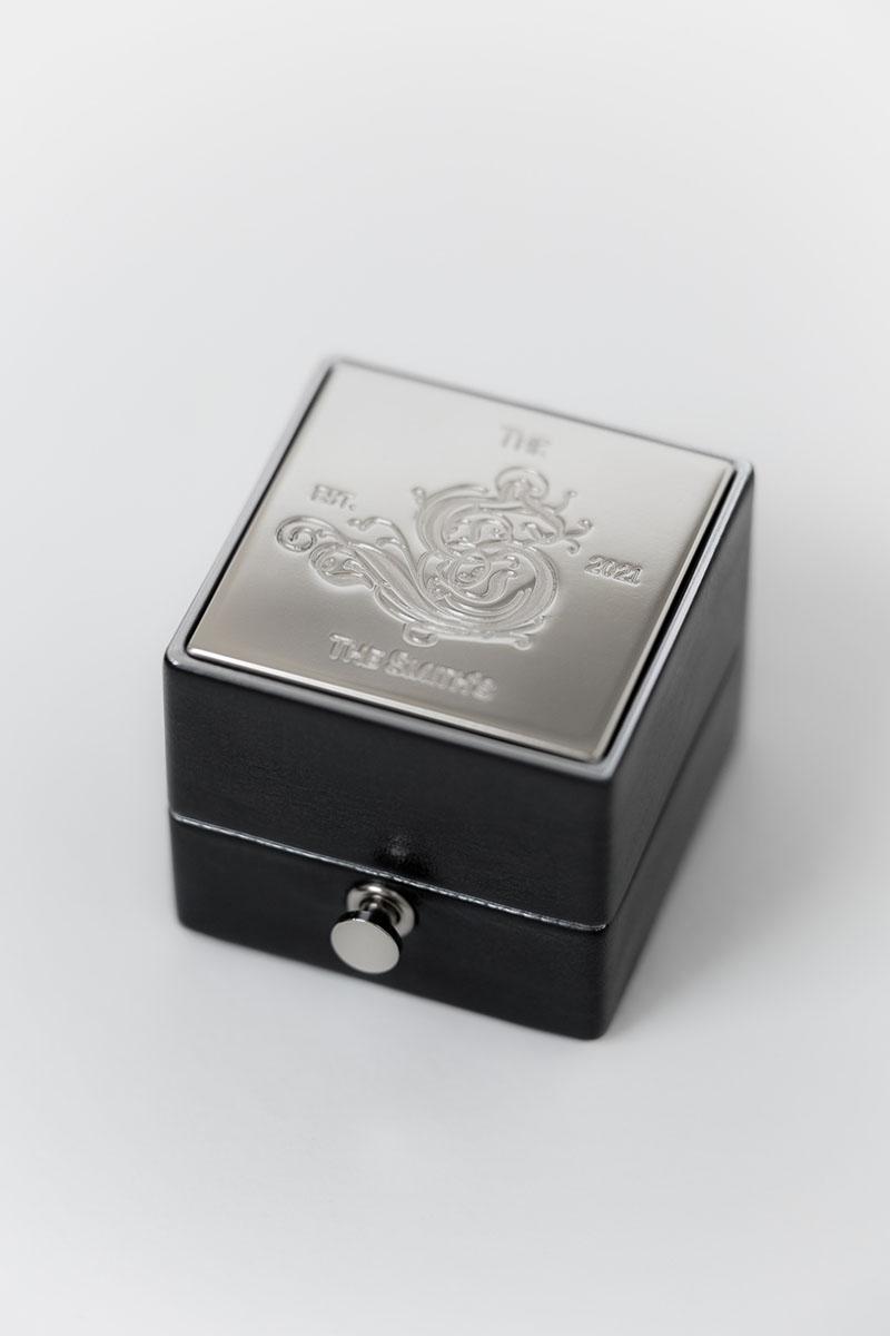 Bark-and-Berry-Grand-Ludovic-XIV-lock-classic-vintage-wedding-embossed-engraved-enameled-individual-monogram-leather-velvet-ring-box-006