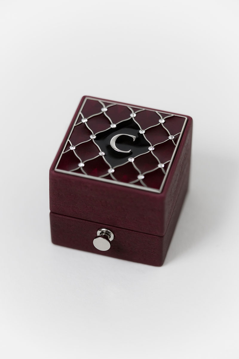 Bark-and-Berry-Grand-Victoria-classic-lock-vintage-wedding-embossed-engraved-individual-monogram-velvet-leather-ring-box-enamel-guilloche-swarovski-crystals-silver-001