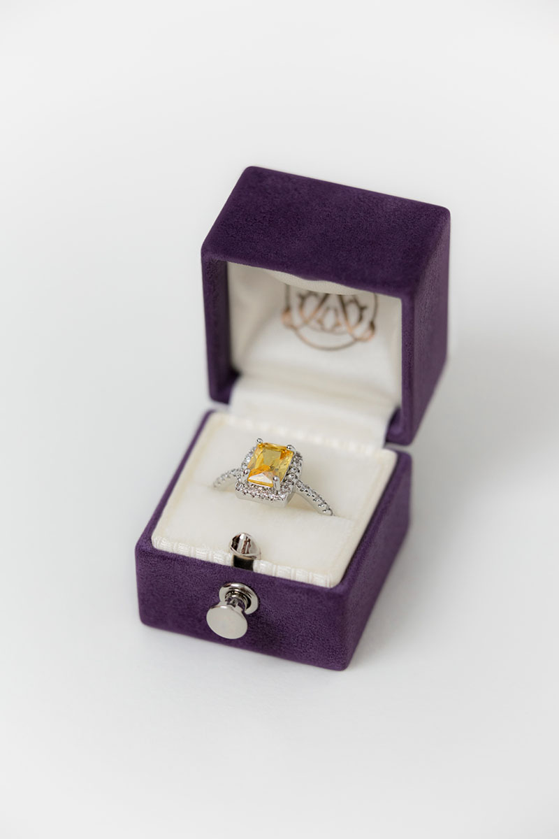 Bark-and-Berry-Petite-Bellflower-classic-vintage-lock-wedding-embossed-engraved-enameled-individual-monogram-velvet-suede-ring-box-001