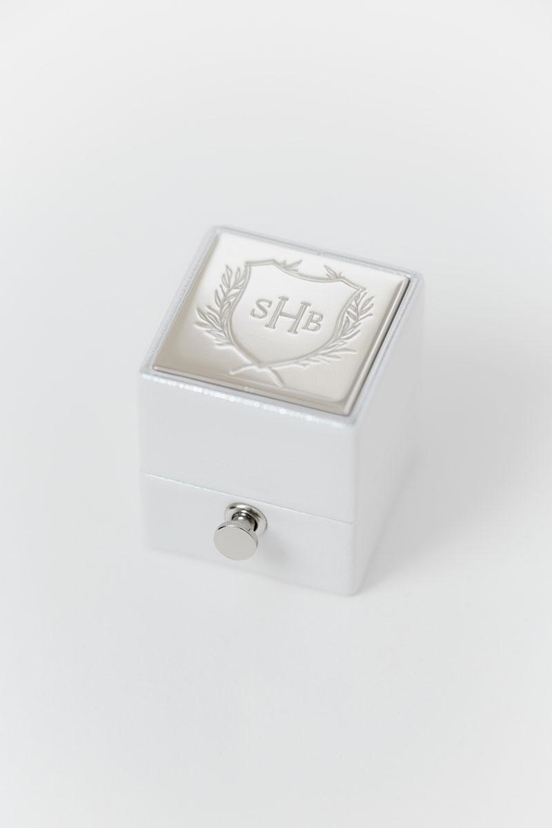 Bark-and-Berry-White-petite-classic-lock-vintage-wedding-embossed-engraved-enameled-foil-edge-monogram-velvet-leather-ring-box-001