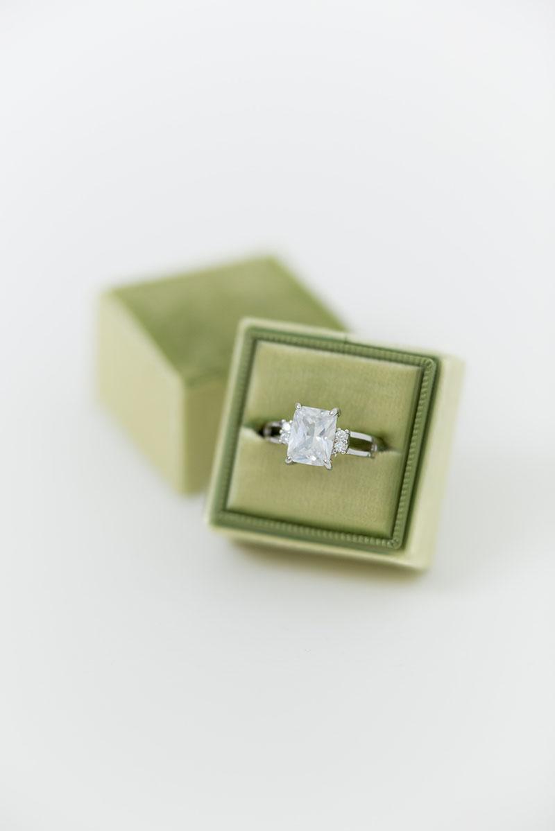 Bark-and-Berry-Petite-Pistachio-classic-single-double-slot-vintage-wedding-embossed-engraved-enameled-monogram-velvet-ring-box-001