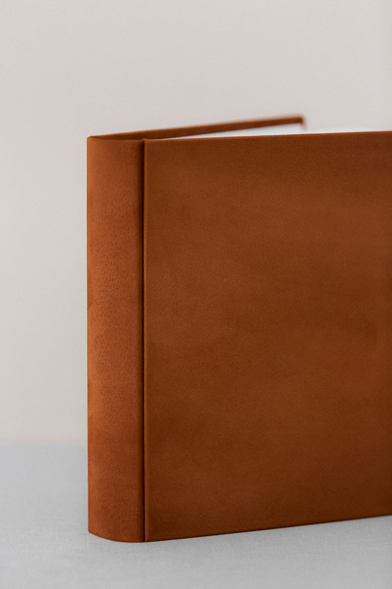 Bark-and-Berry-Terracotta-vintage-suede-wedding-embossed-monogram-guest-book-photoalbum-24x24-002